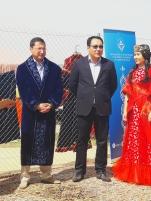 El Exmo. Embajador de la República de Kazajstán en el Reino de España, Bakyt Dyussenbayev, junto con un alto representante de la Fundación N. Nazarvayev de Kazajstán