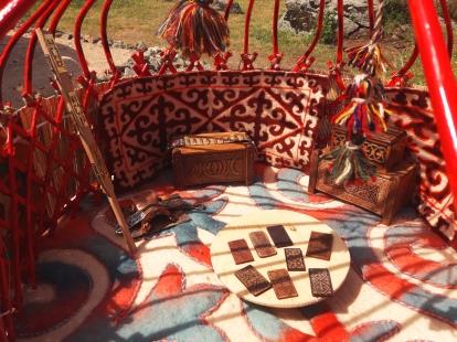 El interior de la yurta.