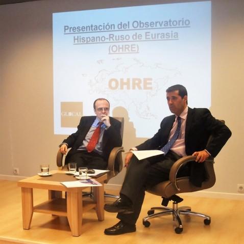 D. Francisco Ruiz González, Profesor del Departamento de Estrategia y RRII de la Escuela Superior de las FAS, durante su exposición.