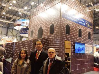 Embajador de la República Popular China en España Lyu Fan con el presidente de OHRE Fernando Moragón.