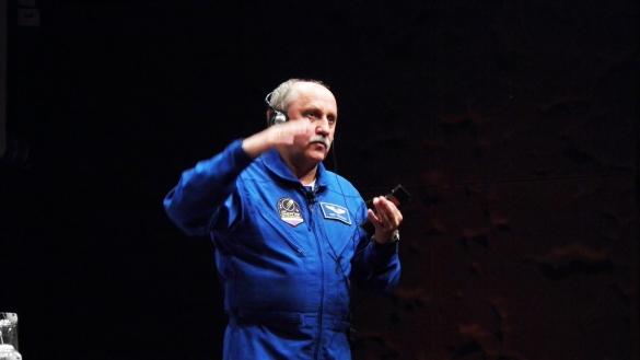 Yurij Vladímirovich respondiendo las preguntas de OHRE