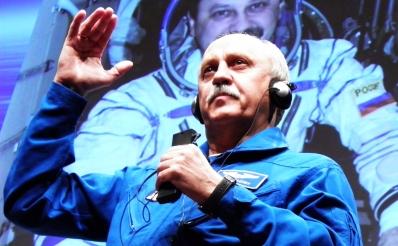 El cosmonauta ruso describe sus experiencias en órbita