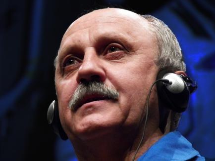 Yurij Vladímirovich describiendo la tierra desde el espacio